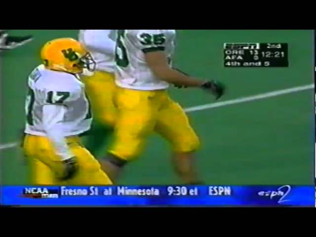 Oregon CB Rashad Bauman breaks up a deep pass in the endzone vs. Air Force 11-22-97