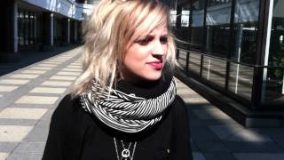 getlinkyoutube.com-Haloo Helsingin Elli haastattelussa!