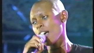 "getlinkyoutube.com-Bizarre Festival (1997): ""Hedonism"" - Skunk Anansie"