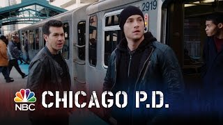 getlinkyoutube.com-Chicago PD - One L of a Chase (Episode Highlight)