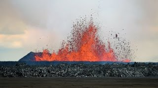 getlinkyoutube.com-Volcanic Eruption in Iceland - Rare Footage (HD 720p)