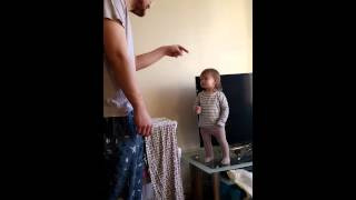 getlinkyoutube.com-Adorable daddy/daughter standoff