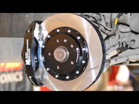 Тормозная система Тюнинг тормозов Audi Q3 от hp-brakes.ru