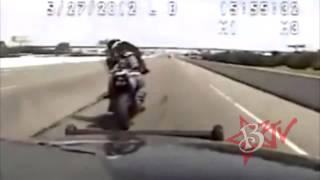 getlinkyoutube.com-Police CHASE Motorcycle Bike VS Cop Actual Dash Cam Video Motorbike Brake Checks Cops Gets Away