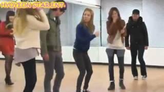 getlinkyoutube.com-Hyoyeon is back :) Our Laughing Machine =PP