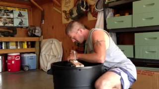 getlinkyoutube.com-Home made honey extractor/spinner