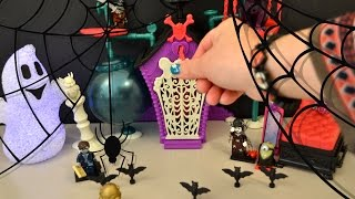 getlinkyoutube.com-Halloween Surprise Eggs Lego Minifigures Despicable Me Minions  Monster High Secret Creepers Crypt