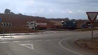 getlinkyoutube.com-como tomar glorieta con 400 toneladas gruas peninsular transportes especiales