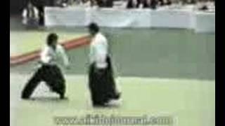 getlinkyoutube.com-خمس لاعبين علي ستيفن سيجال في مباراة ايكيدو باليابان