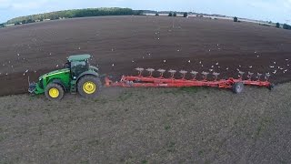 getlinkyoutube.com-Ploughing with John Deere 8360R and Kuhn Challenger 12