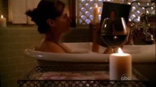 getlinkyoutube.com-Beckett reading Heat Wave - castle 2x04