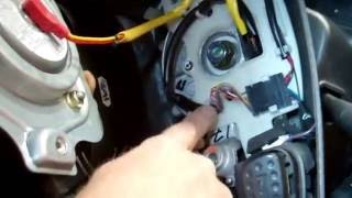 getlinkyoutube.com-How To Remove Steering Wheel & airbag from Land Rover Discovery 2