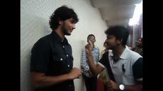 getlinkyoutube.com-Kadal Actor Gowtham Karthik For The First Time Dances and laughs his heart out At Suryan FM Studios!