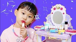 getlinkyoutube.com-라임의 라푼젤 미미 화장대 어린이 화장품 뽀로로 카메라 장난감 소꿉놀이 LimeTube & Toy 라임튜브