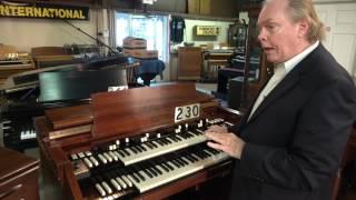 getlinkyoutube.com-Vintage Hammond C-3 Organ with Transpose System at Keyboard Exchange International
