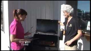 getlinkyoutube.com-Parr Traeger Grill - Bacon Explosion