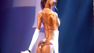 getlinkyoutube.com-머슬마니아 여자모델 참가자, 비키니 입고 육감적인 힙+섹시한 몸매 과시 '아찔' (2015 머슬마니아 피트니스 세계대회) [SSTV 영상]
