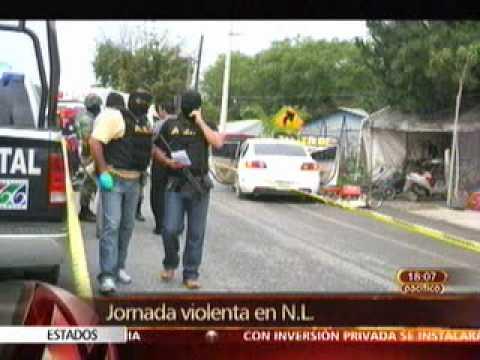 ejecutan a 4 policías en Nuevo León, regresan narcobloqueos