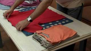 getlinkyoutube.com-Plegador de ropa. Plegafacil