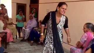 getlinkyoutube.com-Hijra Dance in India - post wedding rituals