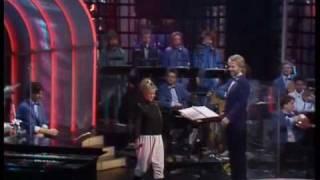 Danse I Måneskin - Trine Dyrholm - Dansk Melodi Grand Prix 1987 view on youtube.com tube online.