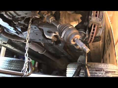 Transmission Removal (2002 Mitsubishi Lancer)