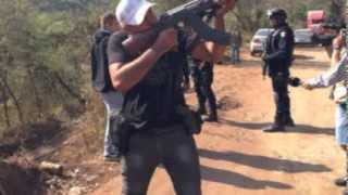 """getlinkyoutube.com-""""El Diablo""""; de sicario a autodefensa, ahora defiende al Pueblo"""