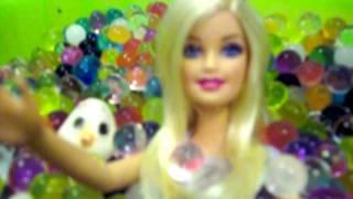 getlinkyoutube.com-ORBEEZ Barbie glam pool fun play باربى و أميرات ديزنى فى مسبح الأوربيز جزء ٣ #