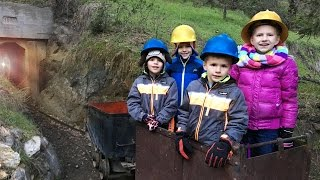 getlinkyoutube.com-Trains, GOLD MINES and Snow || Mommy Monday