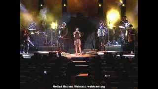 getlinkyoutube.com-Israel's Rita Rocks the U.N.