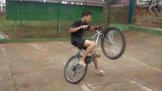 getlinkyoutube.com-'Dominiu's Du Grau'  Manobras de Bike