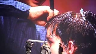 getlinkyoutube.com-Angelo Seminara's Short Razor Cut at Davines World Wide Tour Hairshow