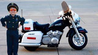 getlinkyoutube.com-Little Heroes Kidz Motorz Patrol H. Police Motorcycle Unboxing and Toy Review