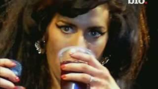 getlinkyoutube.com-Amy Winehouse Biografia-(Documental en español)parte2de-2