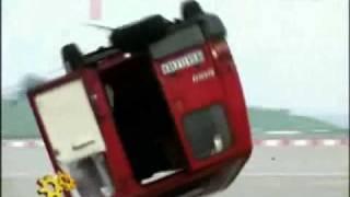 getlinkyoutube.com-قوة تأثيرة محرك الطائرة النفاث على سيارة من نوع فان