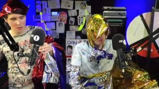 getlinkyoutube.com-Phan - Love is on the Radio