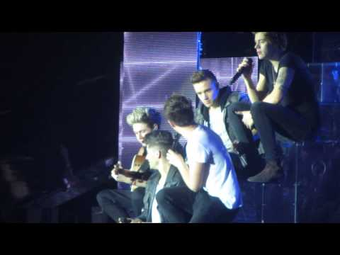 One Direction - Little Things + Lime Fight | Manchester