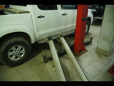 Силовые пороги РИФ на Toyota Hilux