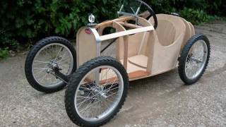 getlinkyoutube.com-Soapbox Down Hill Racer - 26th Oct 2011 -  Tiny Tots Bugatti