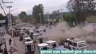 getlinkyoutube.com-Impactantes imágenes del terremoto en Nepal