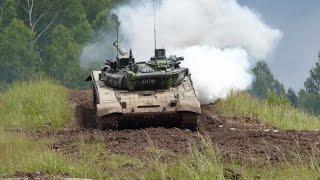getlinkyoutube.com-T-72 in action (Bahna 2015 - Czech Army Show)