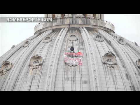 Lone Protester makes his way to dome of St  Peter's Basilica