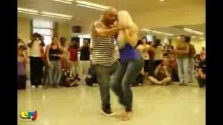 getlinkyoutube.com-Baile merengue campesinho Latinoamericano.