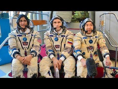 ソユーズ打ち上げ操作の訓練公開