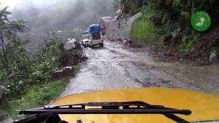 getlinkyoutube.com-Most Dangerous Roads In Himalaya, Must Watch