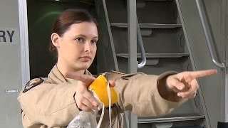 getlinkyoutube.com-すべて女性クルーのC-17グローブマスターIII輸送機