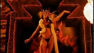 getlinkyoutube.com-Satanic Pandemonium - Salma Hayek - Um drink no inferno - From dusk till down