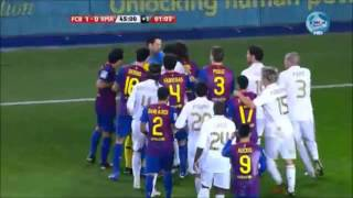getlinkyoutube.com-El Clasico -  Real Madrid vs. Barcelona // Most Heated Moments { Fights, Brawls, Fouls }