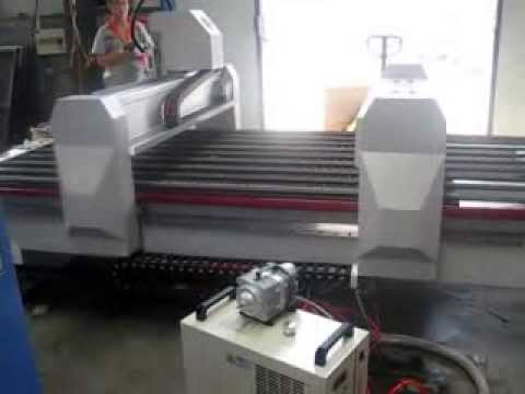 Máquina de Corte a Laser - Router CNC e Laser conjugados - Gravomak