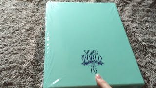 getlinkyoutube.com-Unboxing Shinee World IV Concert: the 4th Stage CD/Photobook
